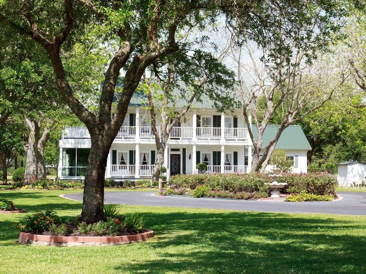 Tmx Houston Mansion Wedding With Summer Blooms At House Estate 51 3598 158453719388215 Hockley, TX wedding venue