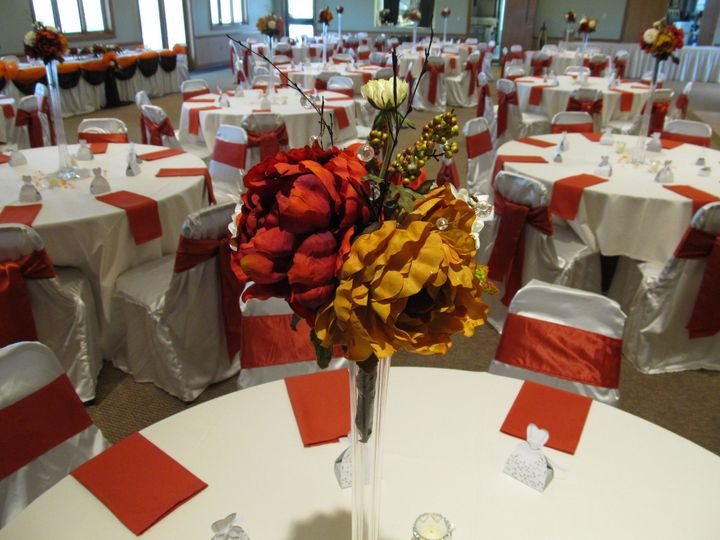 VOA MetroParks - Ronald Reagan Lodge Banquet Facility - Table setting with centerpiece