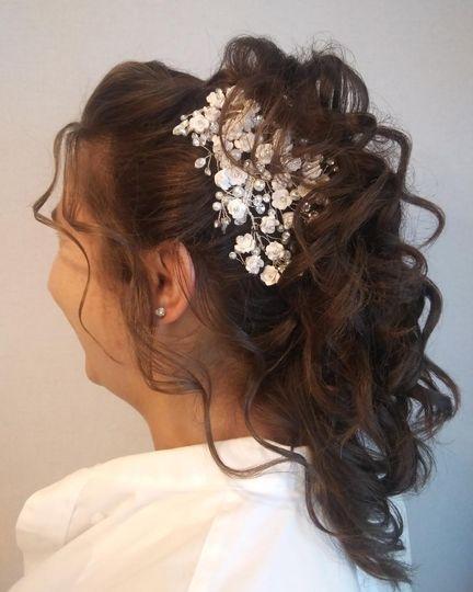 Cascading ponytail