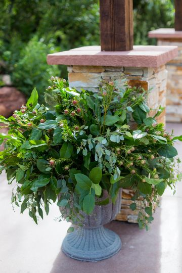 Green ceremony urn