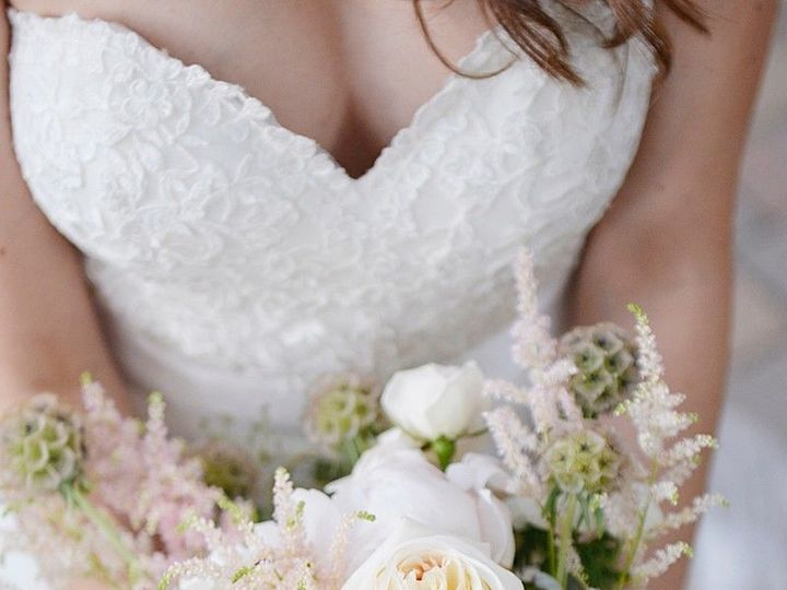Tmx 1537306290 92e11f7e365b5ff6 1537306289 85ea5d3e70dfa875 1537306289978 1 Kira Bouquet 6 17 Englewood, CO wedding florist