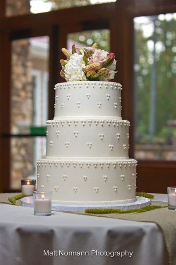 Wedding Cake by FlourGirl Patissier - Maeve & Ben - Photo by Matt Normann Photography