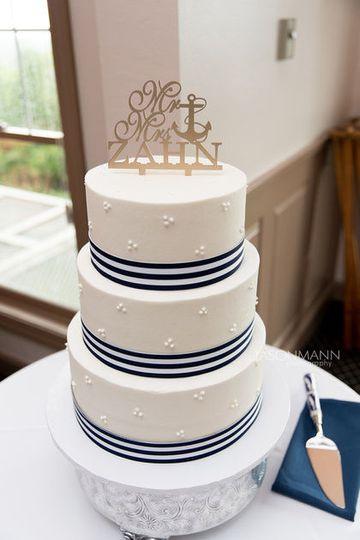 Wedding Cake by FlourGirl Patissier - Alllison & Chris - Jason Mann Photography