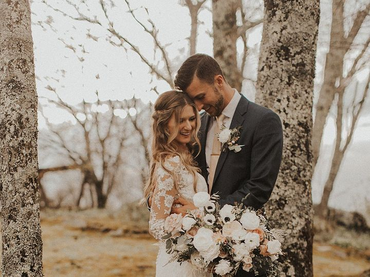 Tmx Image5 2 51 1004698 159495434664695 Alexander, NC wedding florist
