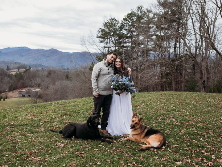 Tmx Img 0512 51 1004698 157918690442581 Alexander, NC wedding florist