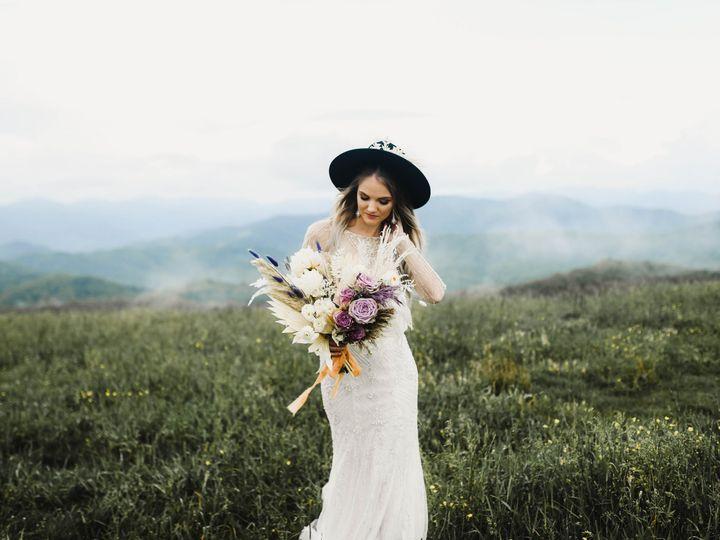 Tmx Img 3199 51 1004698 159597932918315 Alexander, NC wedding florist