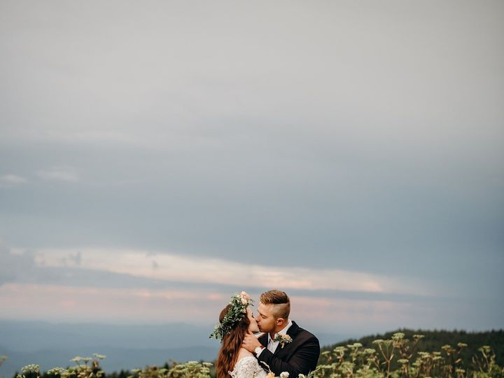 Tmx Img 3758 51 1004698 1569379083 Alexander, NC wedding florist