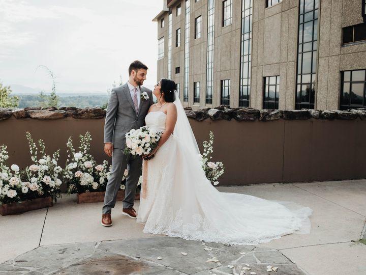 Tmx Img 6634 51 1004698 1571103287 Alexander, NC wedding florist