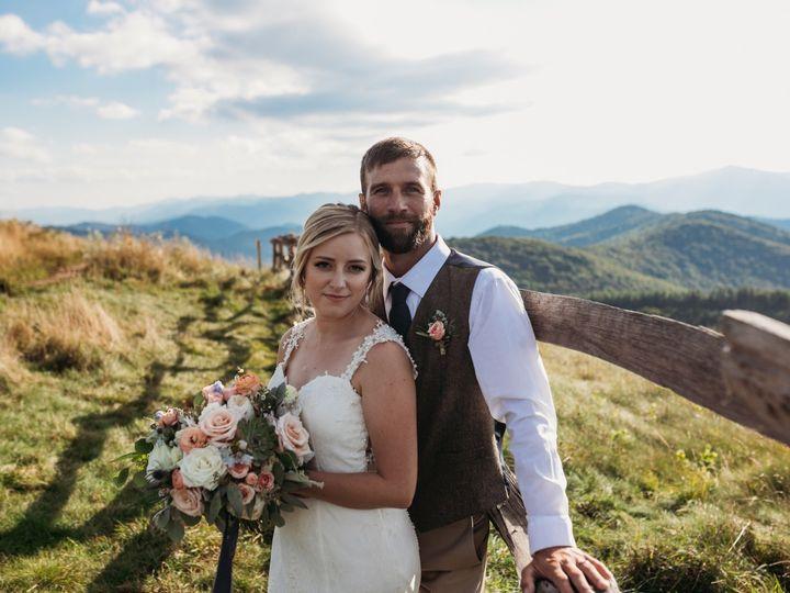 Tmx Img 6827 51 1004698 1571103303 Alexander, NC wedding florist