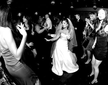THE BRIDE KNOWS HOW TO DANCE