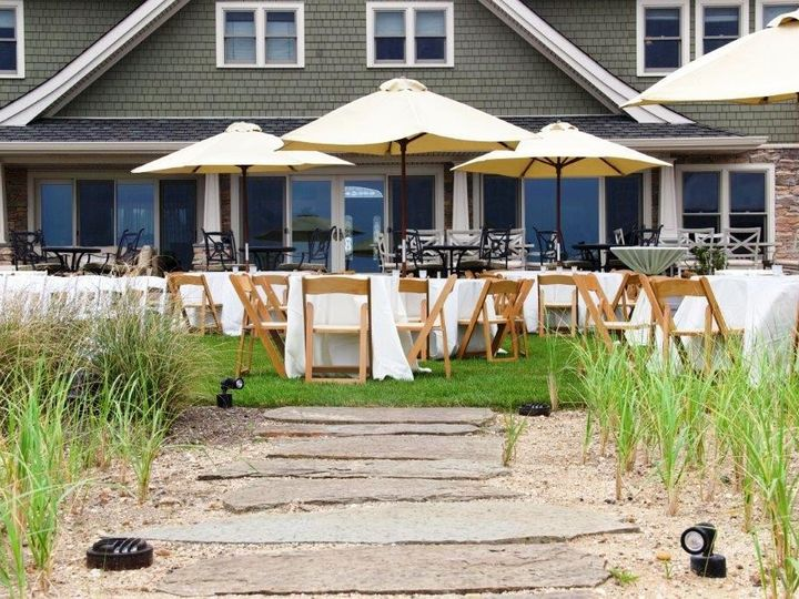 Tmx Umbrella Tan With Natural Chairs 51 76698 1569428520 Medford, NY wedding rental