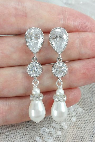 amanda badgley designslong crystal and pearl earri