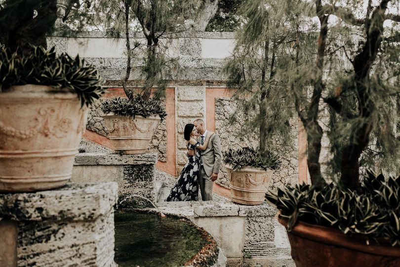 Engagement session at Vizcaya Gardens