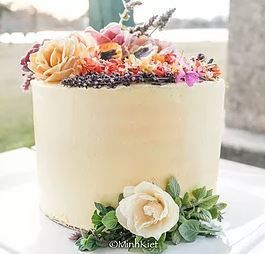 Chef Schonberg's Sweets cake featured in American Cake decorating magazine