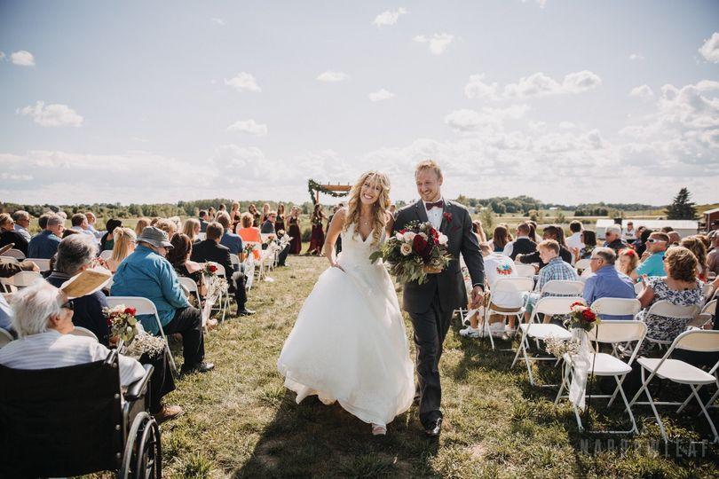 wedding photography dellwood barns mn 7012