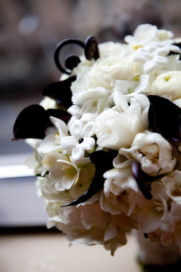 Black and white Bride's bouquet