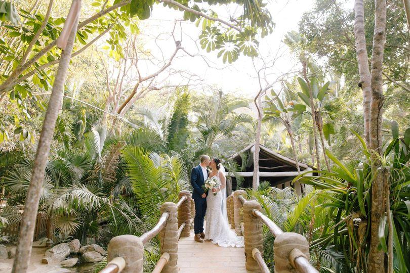 wedding anjelica ross 490 51 770898 1565139148