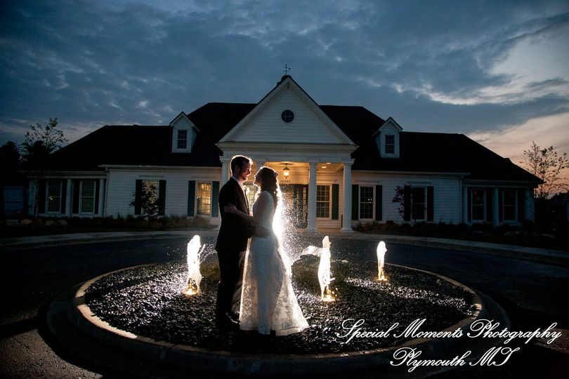 lindsey matt northville hills golf club mi wedding 51 44898 158421250093203