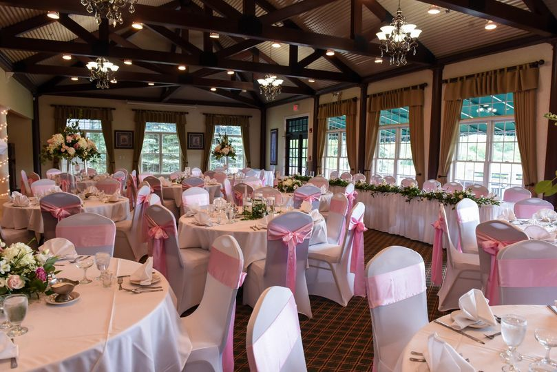 Pink accents and white roses for decor