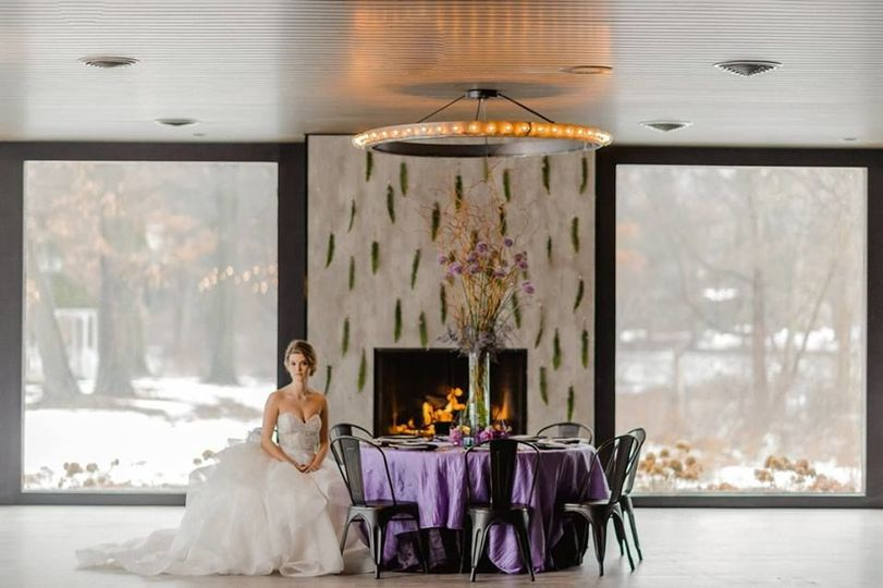 The Allure on the Lake: Fireplace