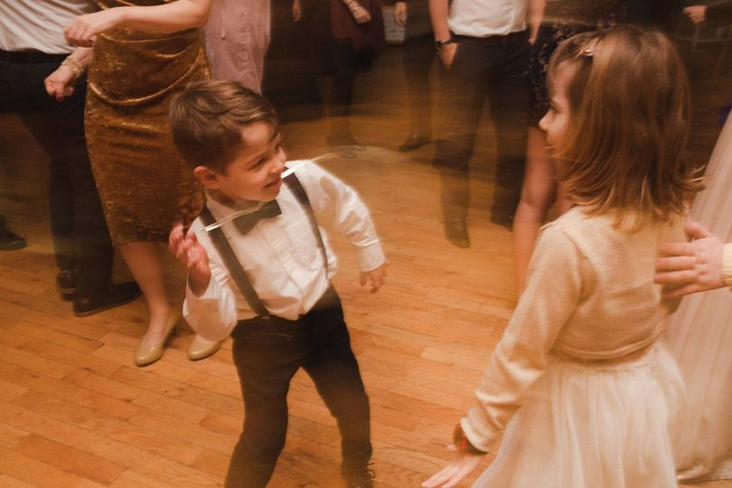 Ring bearer having a blast