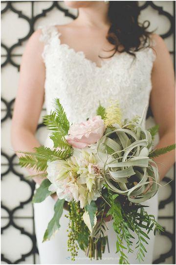 bouquets of austin flowers austin tx weddingwire. Black Bedroom Furniture Sets. Home Design Ideas