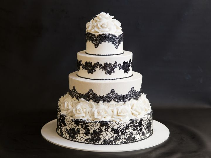 Tmx Egp Small 1529 51 31998 157927727242989 Portland, OR wedding cake