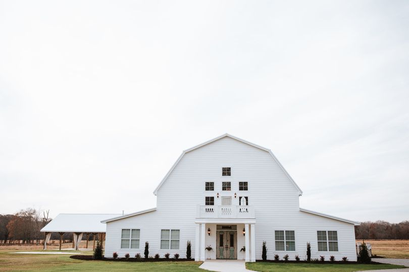 Exterior view of Harvest Hollow Venue and Farm