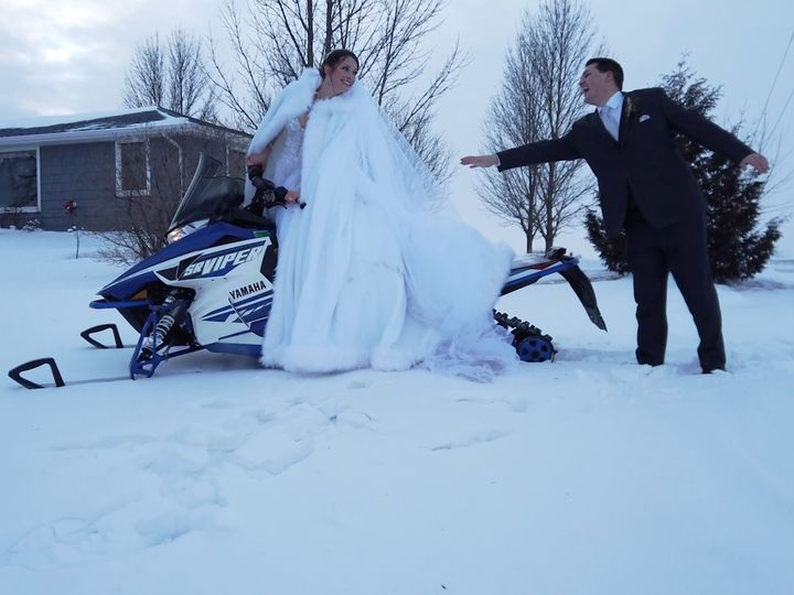 Tmx Screen Shot 2019 04 10 At 1 29 09 Pm 51 746998 V1 Menomonee Falls, WI wedding videography