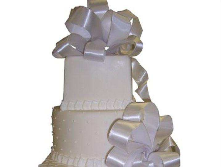 Tmx 1331762575311 BowWeddingCake Canoga Park wedding cake
