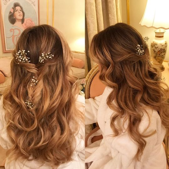 Loose curls with baby's breath