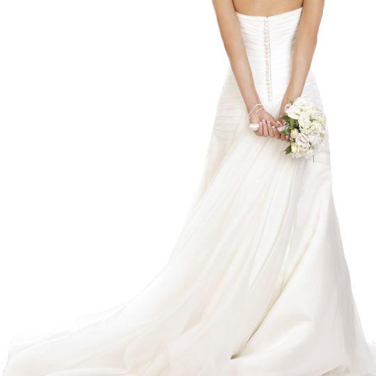 bride back istock 000022321439large 51 100009 v1