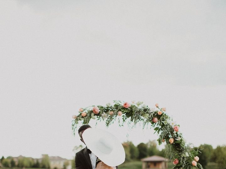Tmx D Sylviastahlphoto 200 51 1950009 160720721056838 Columbus, OH wedding florist