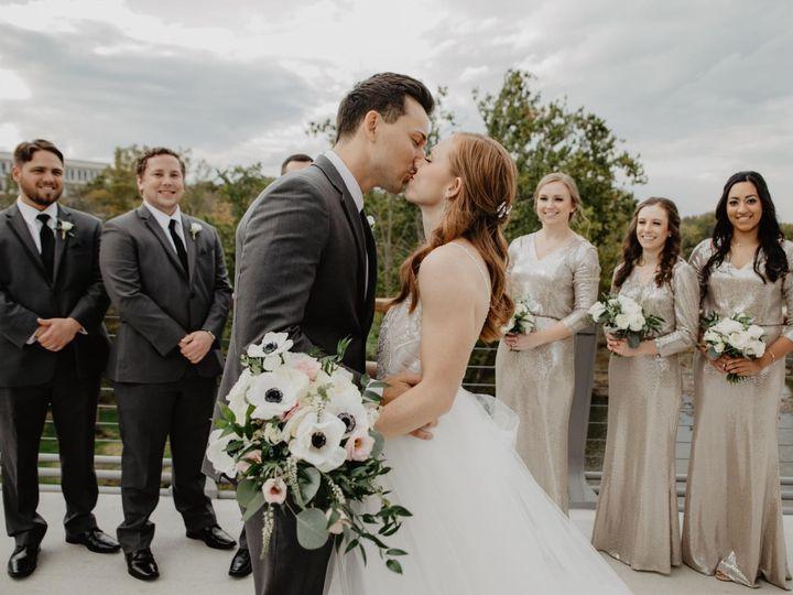 Tmx Img 4070 51 1950009 160521382452912 Columbus, OH wedding florist