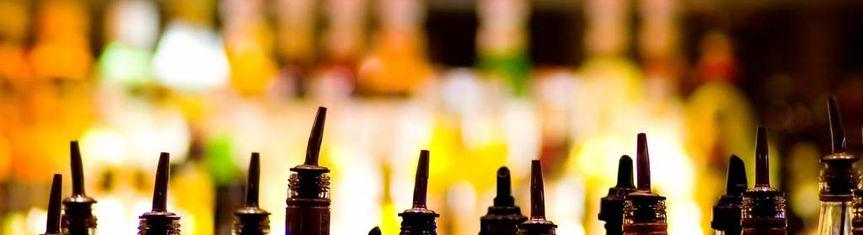Liquor pourers