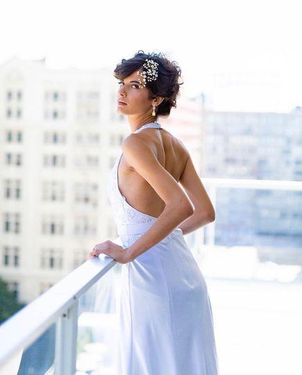 Bride on balcony - Laguna - M. GACITUA