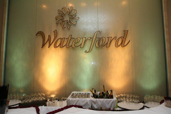 Waterwall with bar in front