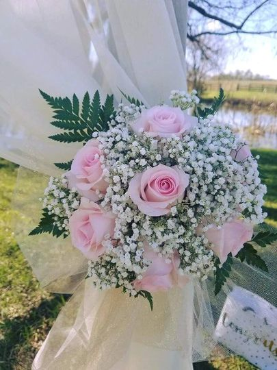 flowers by danelle llc flowers vine grove ky weddingwire. Black Bedroom Furniture Sets. Home Design Ideas