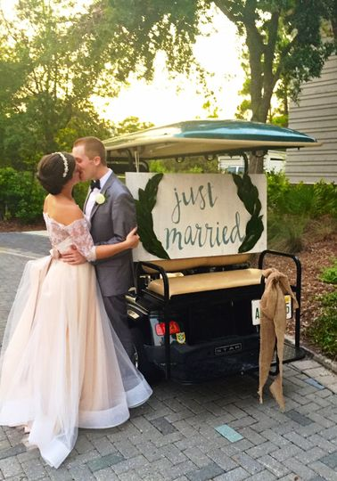 800x800 1474474555027 bg just married golf cart