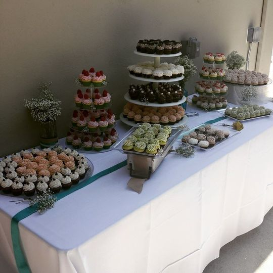 Budget Backyard wedding- 400 Mini Cupcakes on rental stands all for $599