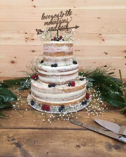 Seminaked cake