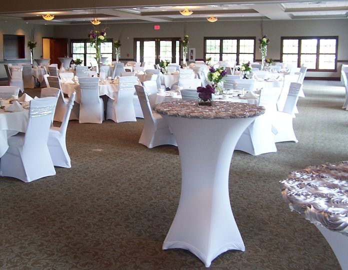 Cocktail tables in spandex and silver rose taffeta toppers