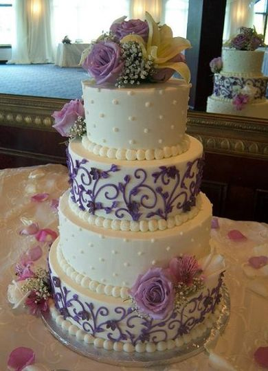 800x800 1326160926442 purplevineweddingcakers11