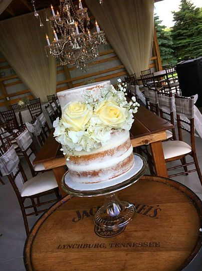 Naked Cake with real flowers