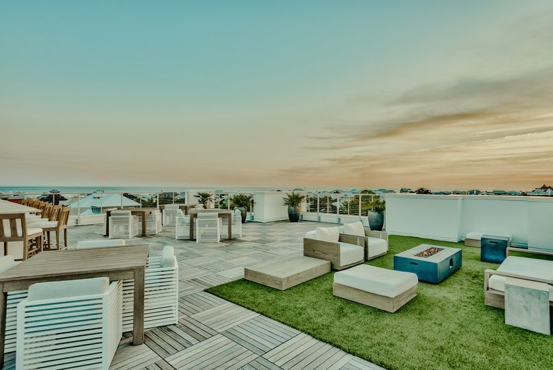 Rooftop Lounge at The Pointe