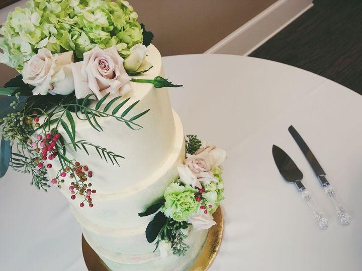 Tmx 1516059518 F9c5f94256e47d56 1516059516 66cd03334b6dc8fc 1516059514995 3 IMG 5792 Newport News wedding cake