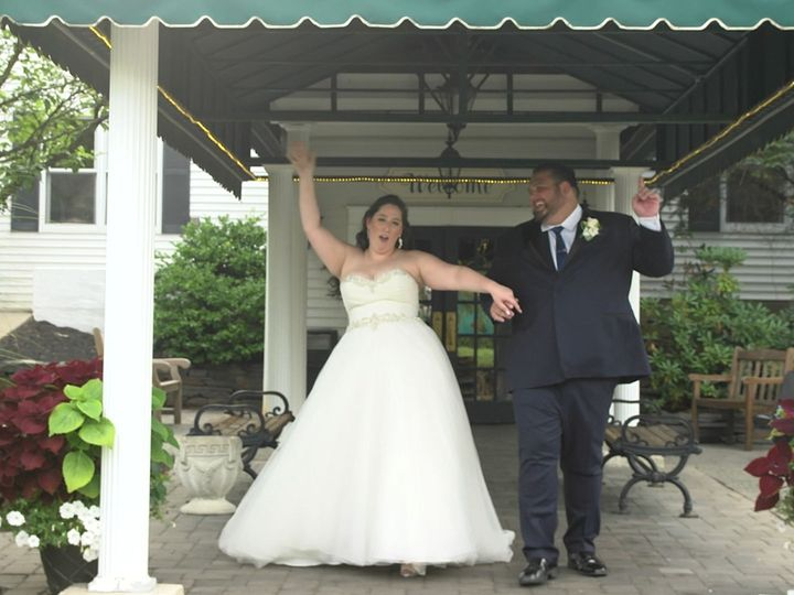 Tmx 1515957210 2e129946a3e368e4 1515957208 E09e390f7972d0c9 1515957199494 2 Bride And Groom Da Clifton Park, NY wedding videography