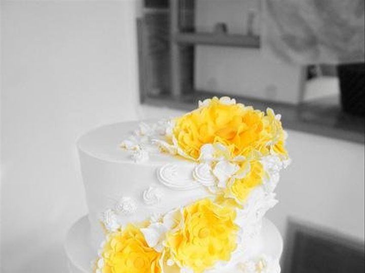 Tmx 1363266034066 SweetLifeBakeryNoyesWR06yellowonly Vineland wedding cake