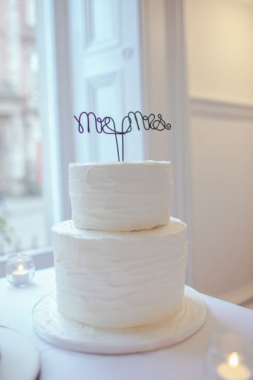 Simple/elegant cake topper