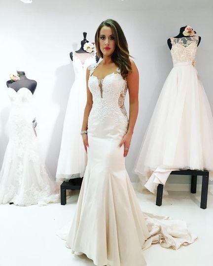 Elizabella 39 s bridal boutique dress attire greensboro for Wedding dress shops in greensboro nc